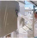 セメントを薄塗りし、シーリング材を紫外線から守る