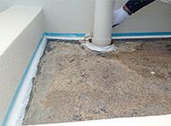 入角部分は、防水剤が切れやすいため、シーリング材を充填